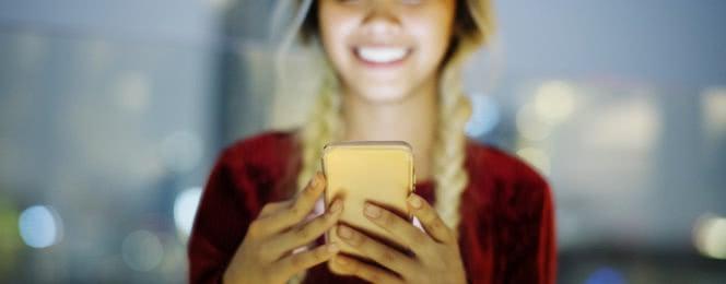 złoty smartfon
